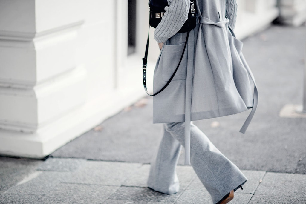 A monochrome outfit in light gray