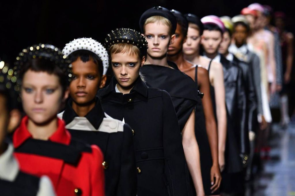 2019 Prada show, models wearing headbands lineup