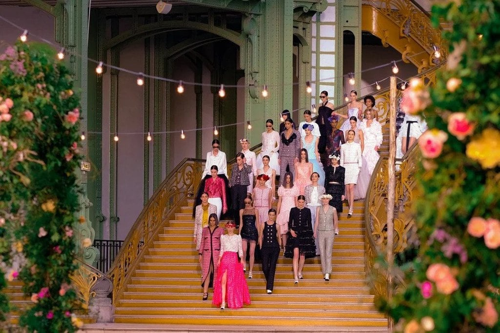 Looks from the Spring/Summer 2021 Chanel Haute Couture Fashion Show