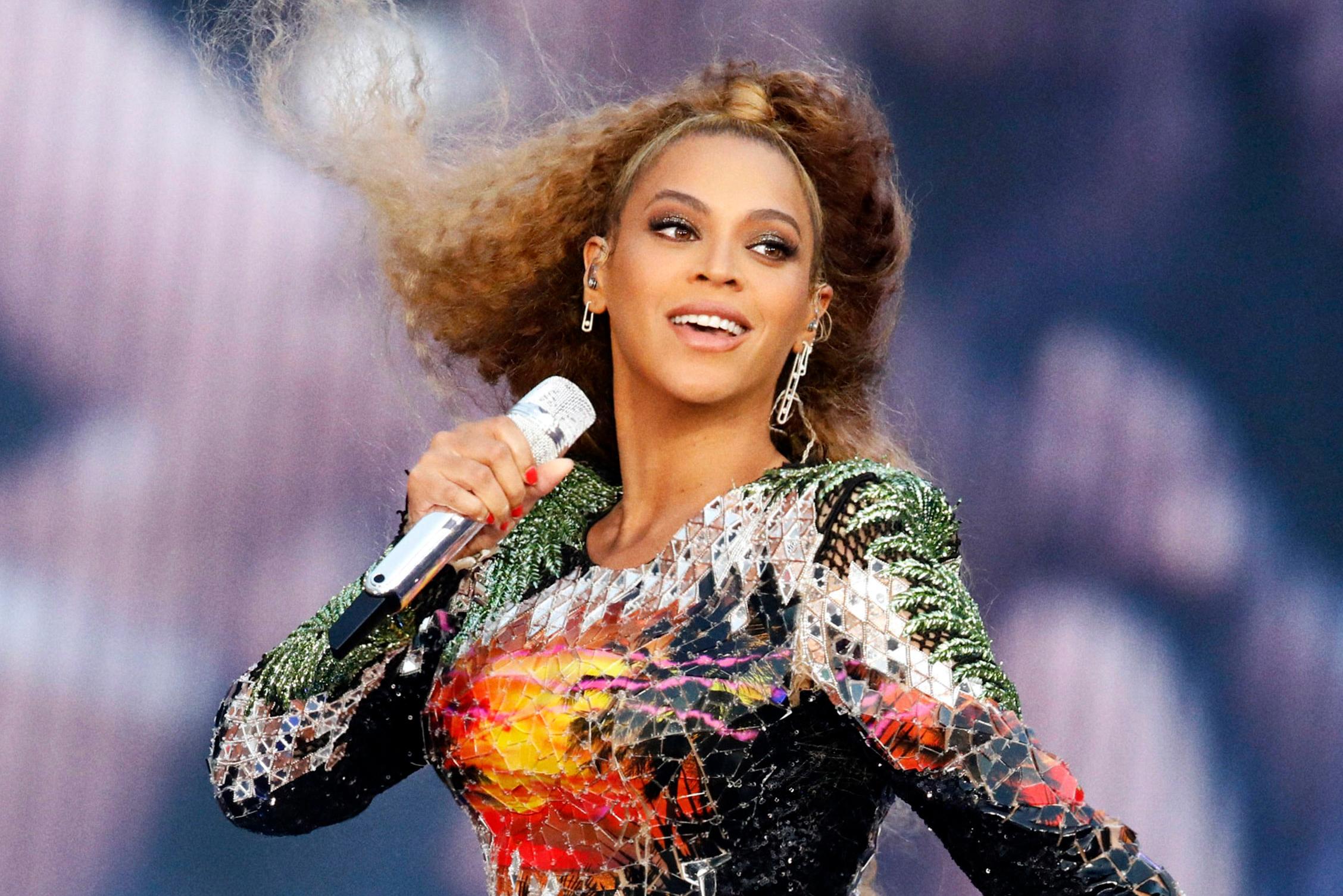 Beyoncé performing on stage